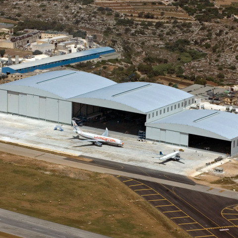 RS 7160 Hangar - Malta DSC_2157 - Hangar Brochure