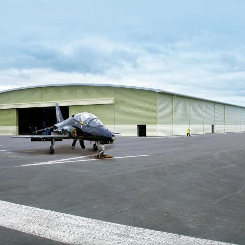 RS 7211 Hangar - RAF valley DSC02989C - Hangar Brochure