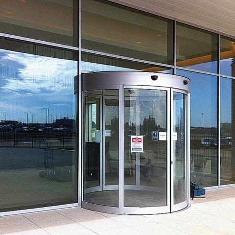 RS 7617 Hangar - Fayair Doors - IMG_2601 - Hangar Brochure